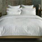 lenjerie de pat alba plus fete de perna